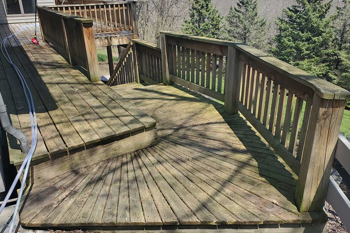 Deck Cleaning Near Winona MN